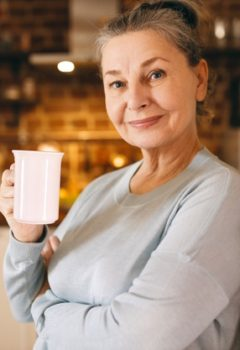Tips for the elderly on keeping warm in winter